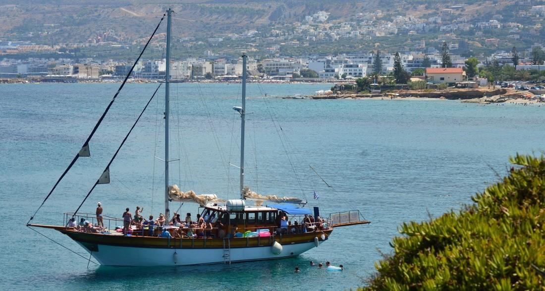 Cruise on Eleni Sailing boat