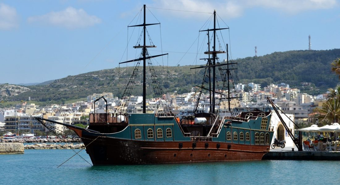 Пиратский корабль Херсонисос Крит билеты